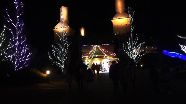 えひめこどもの城のイルミネーションの(入口2)